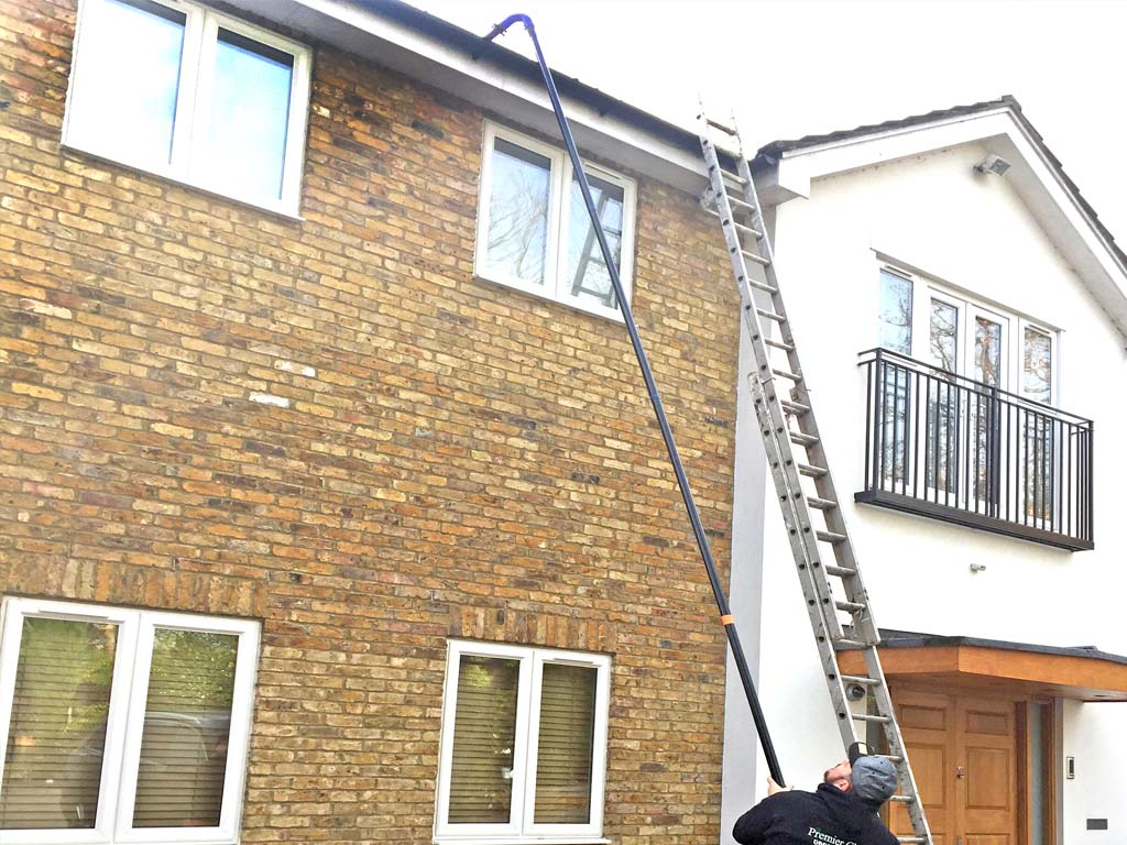 Gutter Cleaning in house - Barnet